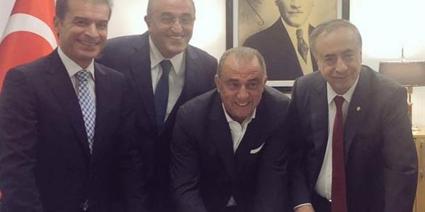 Fatih Terim 2021-2022 sezonunun sonuna kadar Galatasaray'da